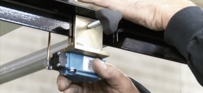 (video) How to Set Up a Limit Switch on a Roof Panel Machine