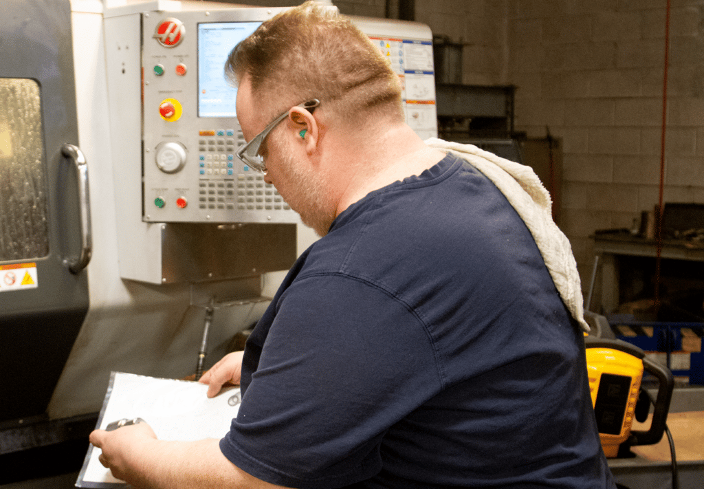 (article) New Tech Machinery Machinists: Who Are They & What Do They Do?