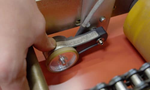 Encoder in portable rollforming machine